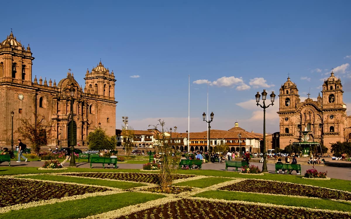 Plaza-de-Armas-en-Cusco