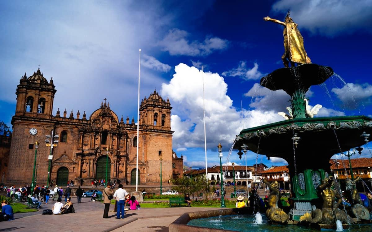 Actividades-en-Plaza-de-Armas-del-Cusco