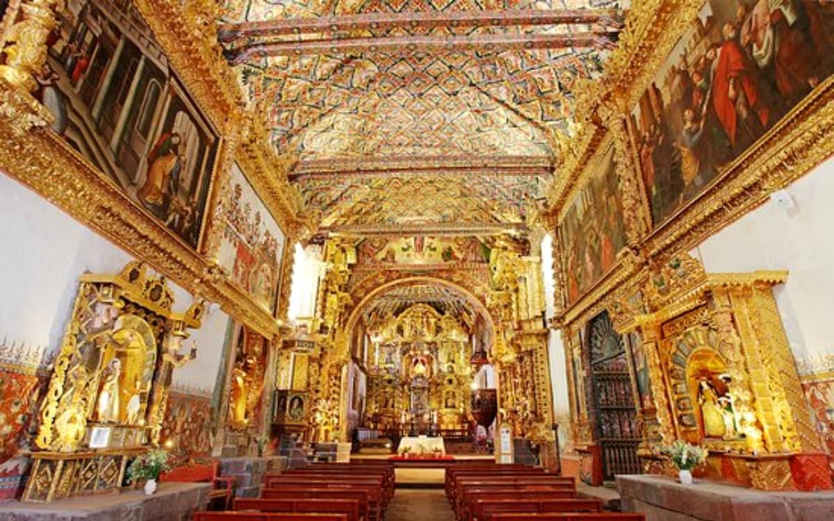 Iglesia-de-Andahuaylillas