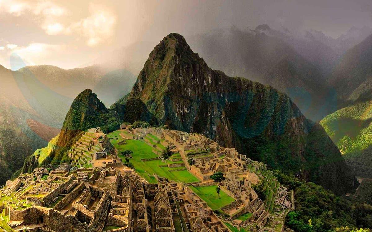 Valle-Sagrado-a-Machu-Picchu